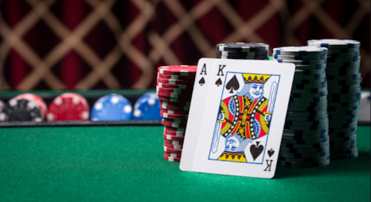 Online poker and Bandarq are the favorite games of bettors