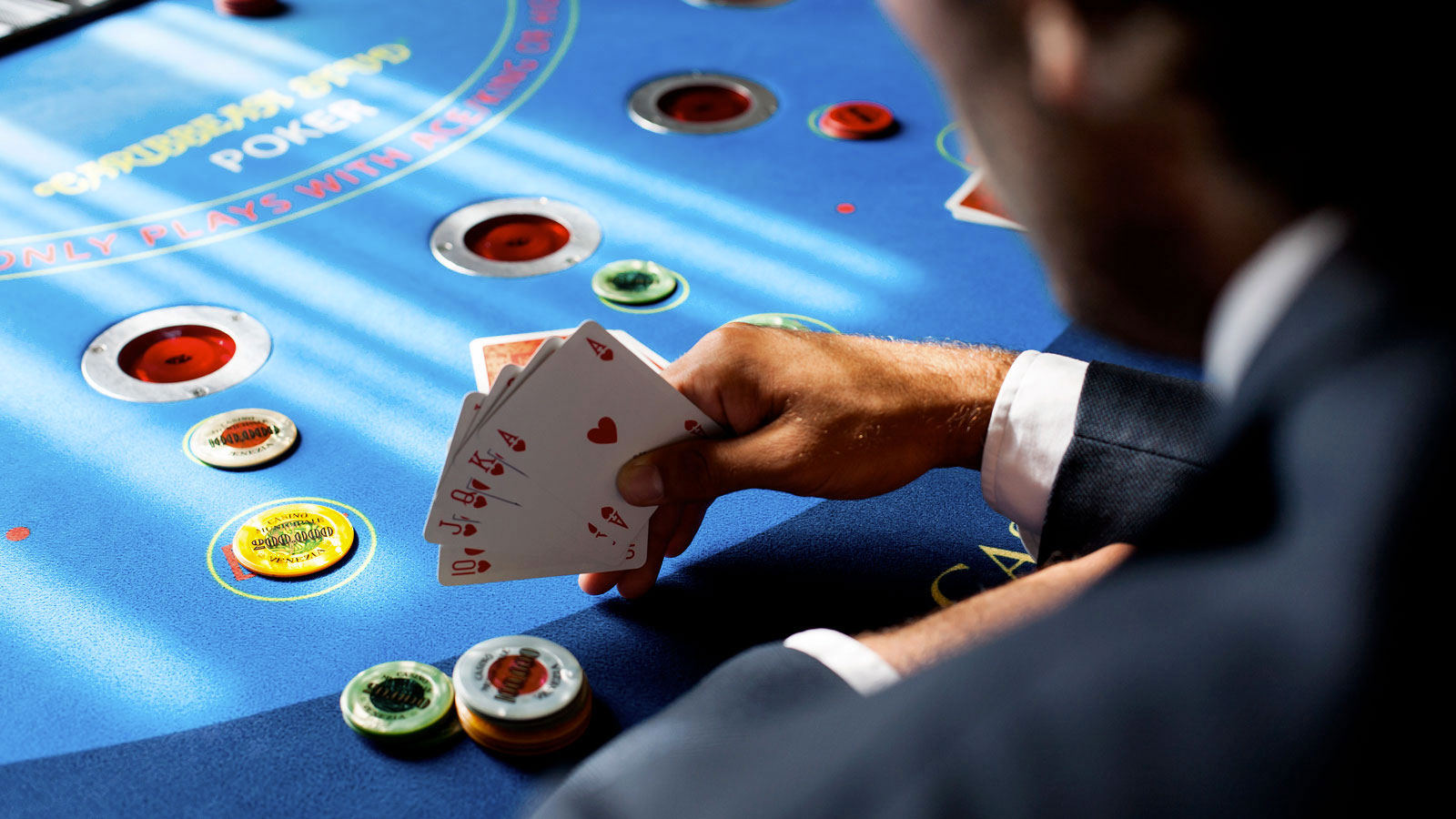 A short guide to Internet Poker Background